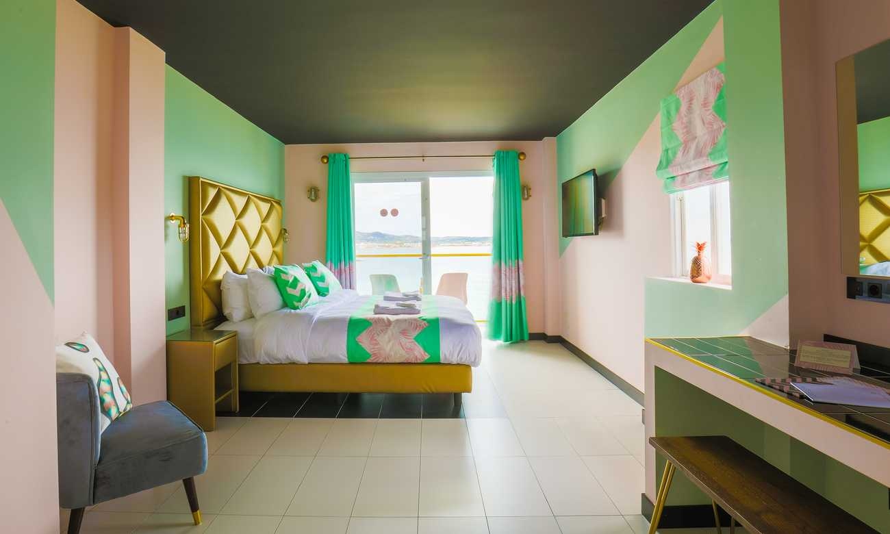 wi-ki-woo-boutique-hotel-apartments-adults-only
